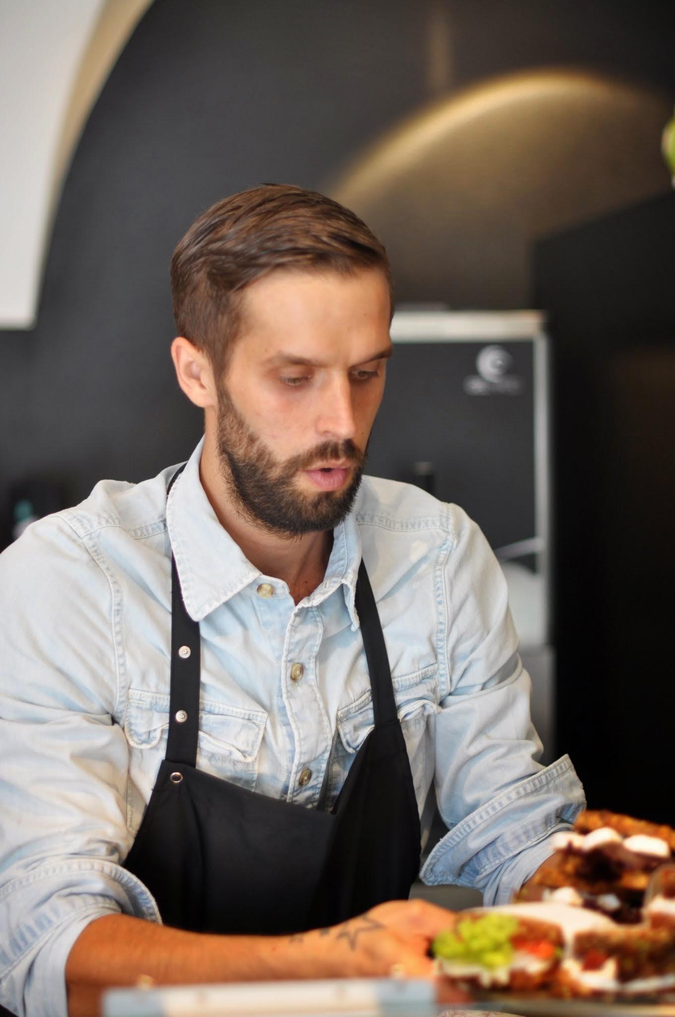 Service im Café Nova